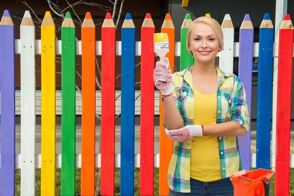 5 Stunning Fence Painting Themes to Inspire Your Beautiful Backyard