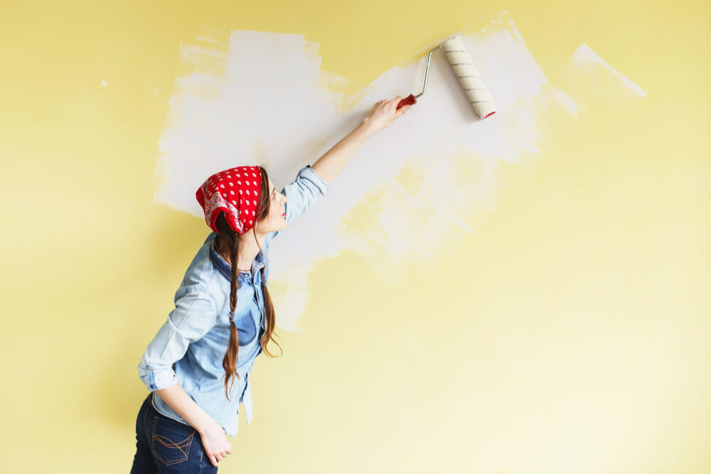 10 Easy Steps on How to Repaint a Wall